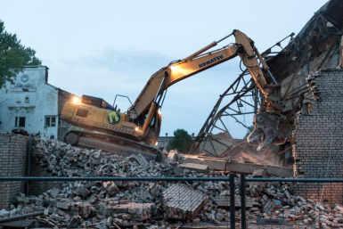 Dvigateli tööstushoone lammutamine